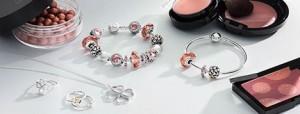 出典:http://pandora-jewelry.jp/