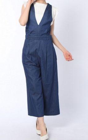 黒島結菜 衣装 サロペット