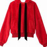 ウルトラマンダッシュ 滝沢カレンの衣装 赤いパーカーのブランドはどこの?