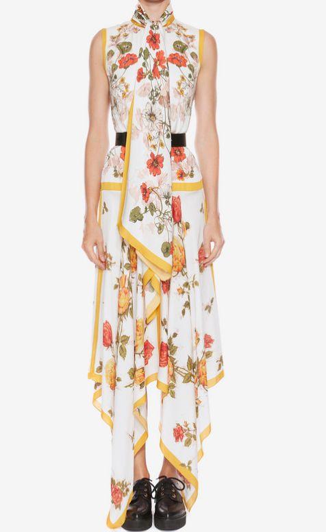 米倉涼子の衣装