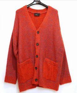 Aスタジオ玉森裕太さん着用の衣装(赤カーディガン)
